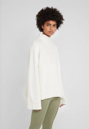 BRIANNE - Pullover - soft white
