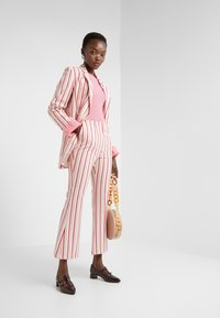 By Malene Birger - NASA - Strikkegenser - bubblegum - 1