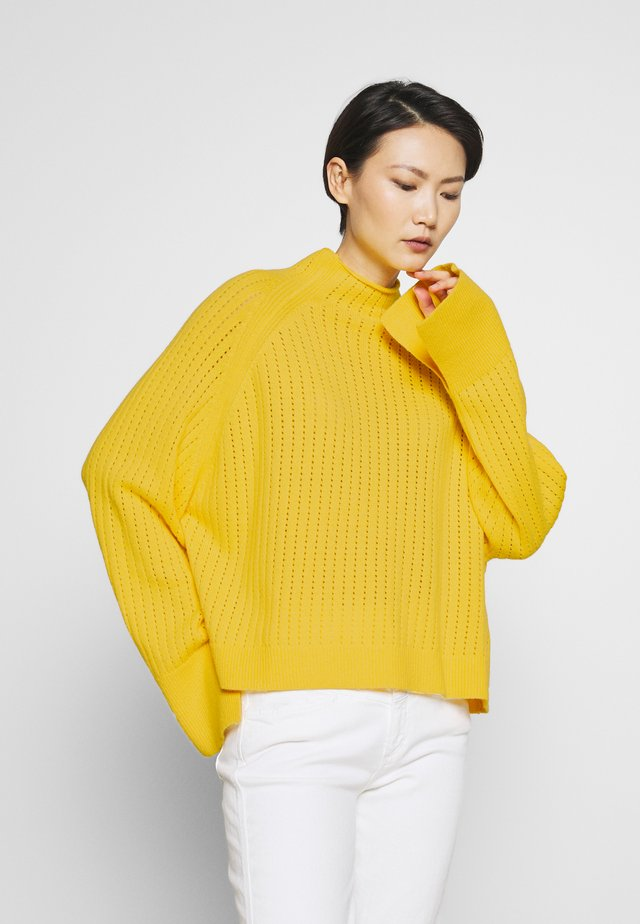 VIKKI - Jumper - empire yellow