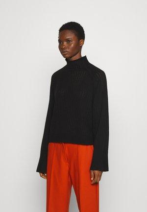 VIKKI - Stickad tröja - black