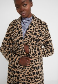 By Malene Birger - BELLOA - Manteau classique - tiger eye