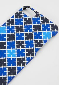 By Malene Birger - PAMSY - Obal na telefon - bay blue - 2