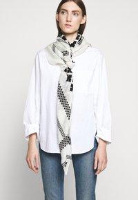 By Malene Birger - JULIET - Šátek - soft white - 0