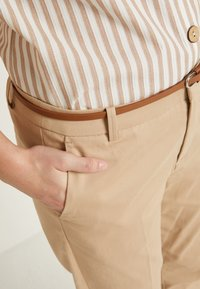 b.young - DAYS CIGARET PANTS  - Chinos - beige - 5