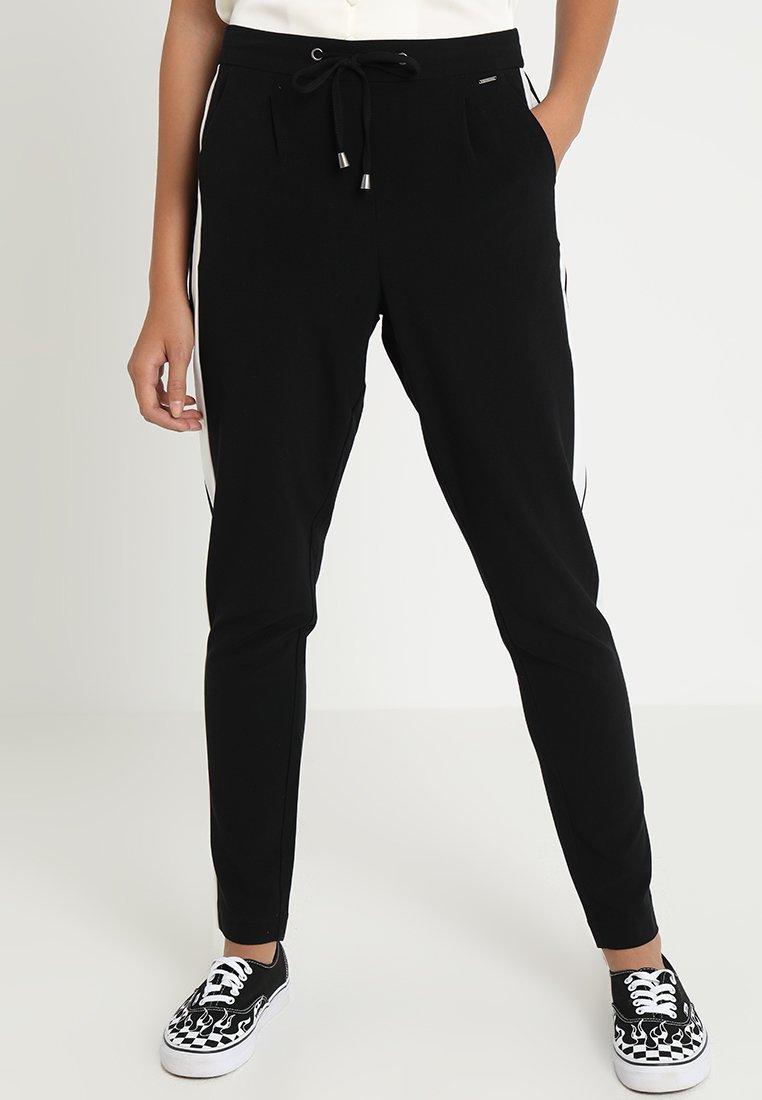 b.young - DACCO PANTS STRIPE - Pantalon classique - black