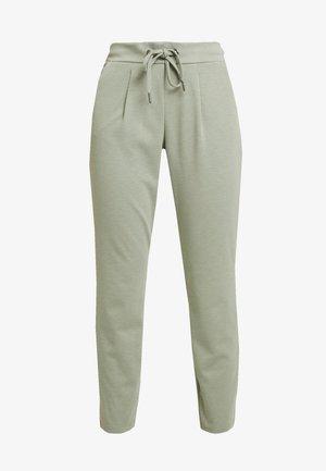 RIZETTA CROP PANTS - Pantalon de survêtement - melange sea green