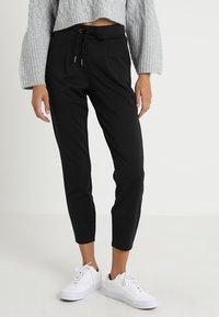 b.young - RIZETTA CROP PANTS - Pantalones deportivos - black - 0