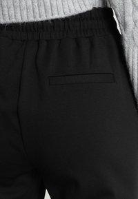 b.young - RIZETTA CROP PANTS - Pantalones deportivos - black - 5