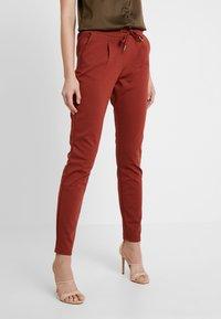 b.young - RIZETTA PANTS - Pantaloni sportivi - dark copper - 0