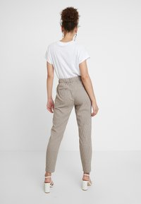 b.young - DAMAX PANTS - Bukse - moonligth combi - 2