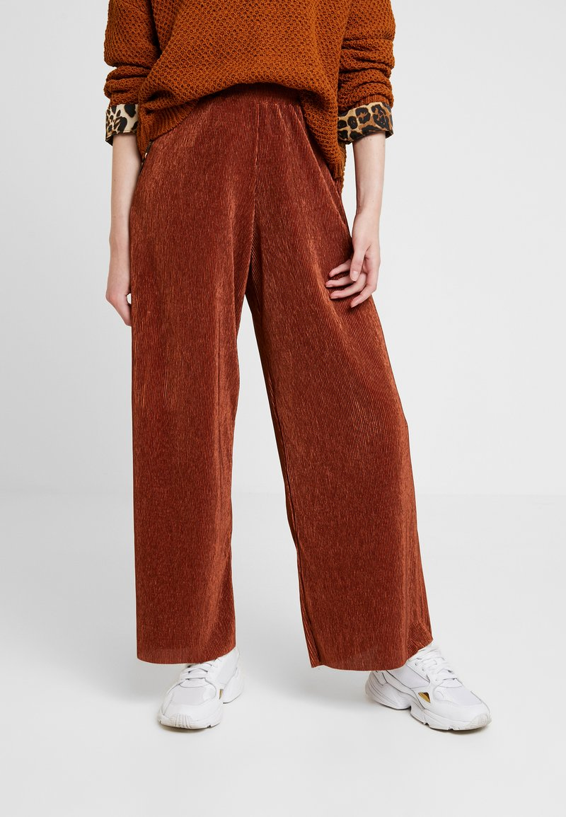 b.young - PILINE PANTS - Kalhoty - dark copper