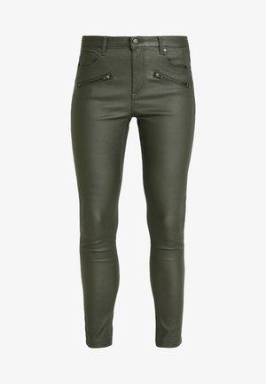 BYLOLA BYKIKO DECO ZIP - Trousers - peat green