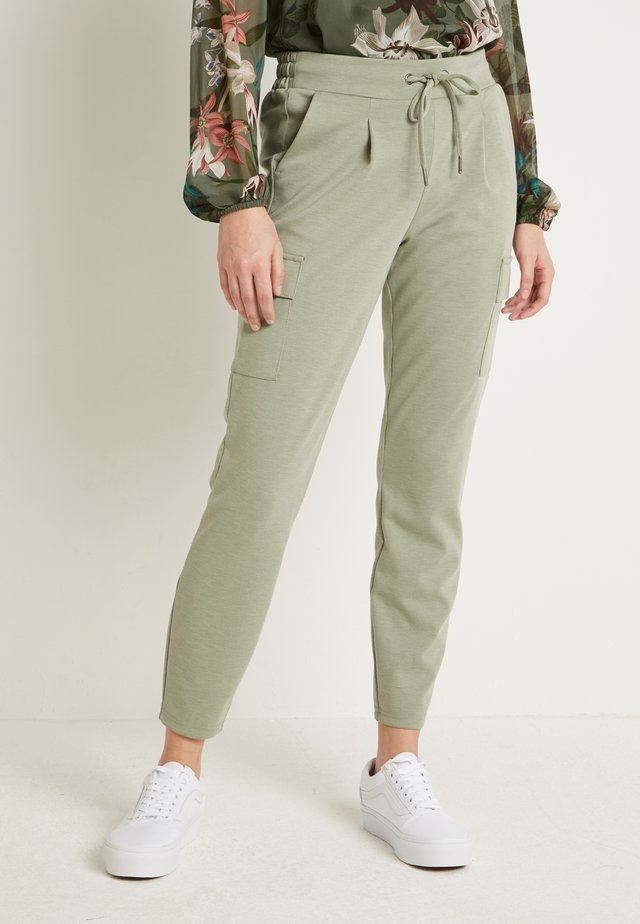 RIZETTA CARGO PANTS - Tracksuit bottoms - meliert sea green