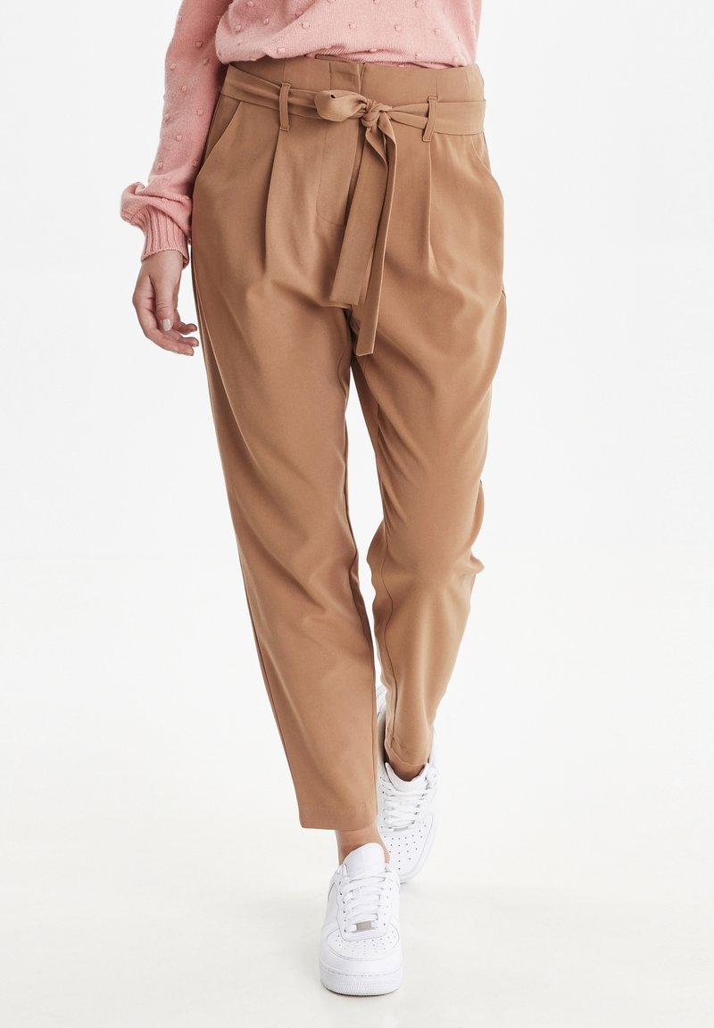 b.young - BYDANTA - Spodnie materiałowe - camel