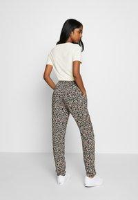 b.young - BYISOLE PANTS - Pantalon classique - black combi - 2