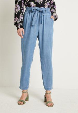 BYLANA - Spodnie materiałowe - blue denim