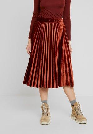 BYSUBERTA SKIRT - Áčková sukně - dark copper
