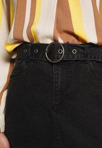 b.young - BYKIRI SKIRT - Denim skirt - faded black denim - 4