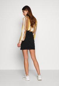 b.young - BYKIRI SKIRT - Denim skirt - faded black denim - 2