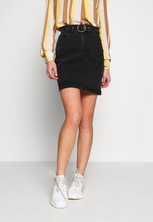 BYKIRI SKIRT - Denimová sukně - faded black denim