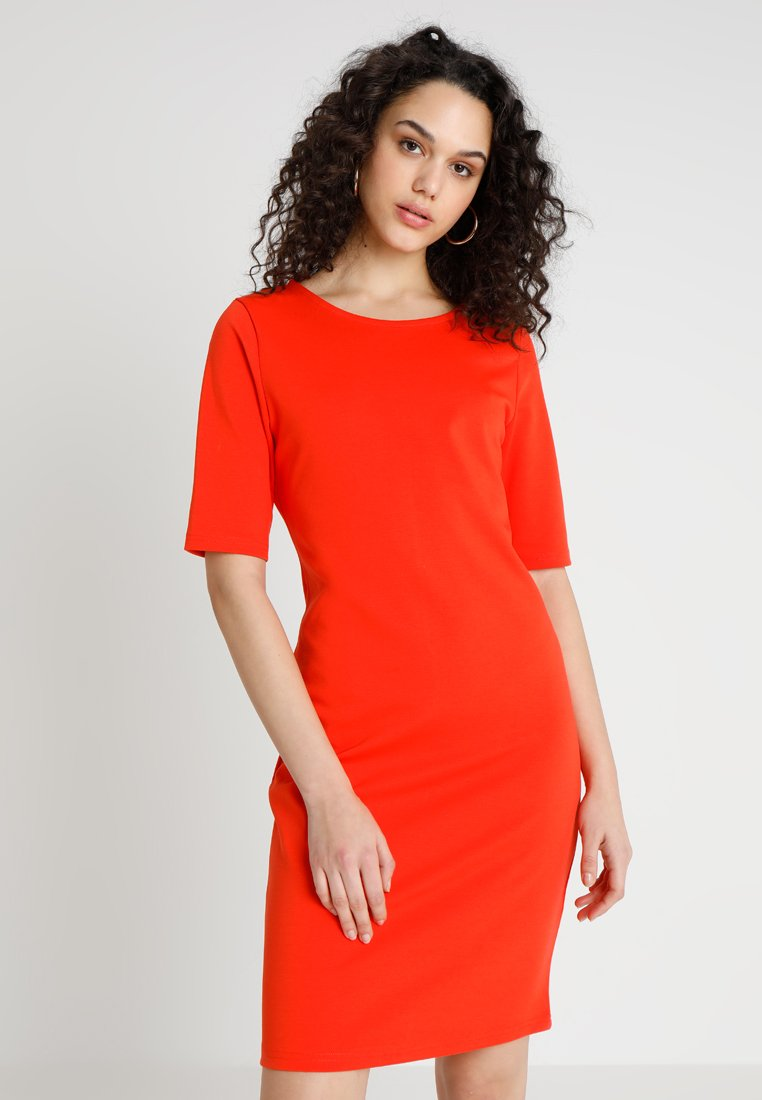 b.young - RIZETTA DRESS - Jersey dress - spicy red