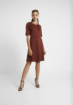 BYRIZETTA DRESS - Jersey dress - dark copper
