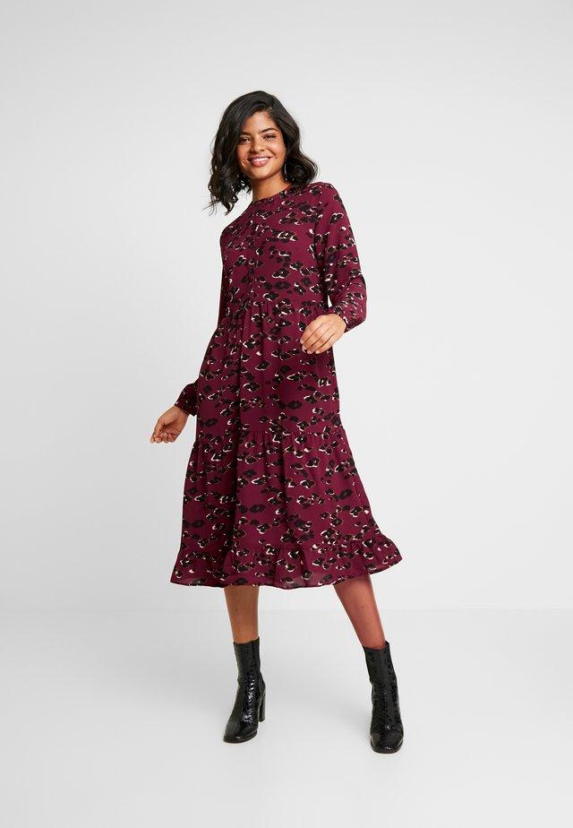 BXILSOX DRESS - Shirt dress - carnelian red combi