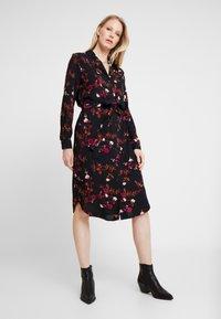 b.young - BYGESITA DRESS - Shirt dress - black combi - 0