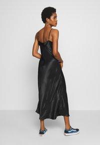 b.young - BYHALIMA SLIP IN DRESS - Denní šaty - black - 2