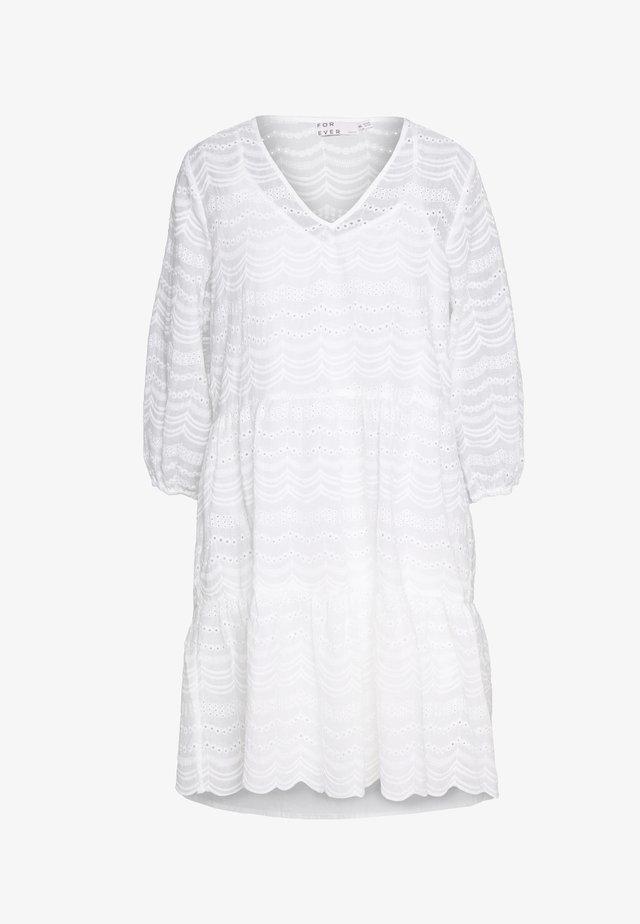 BYIRINOX DRESS  - Denní šaty - off white