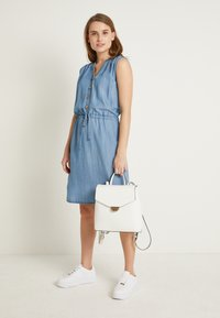 b.young - BYLANA SLEEVELESS DRESS - Denim dress - medium blue denim - 1