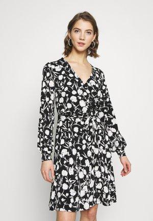 BYSAFFI DRESS - Korte jurk - black/white