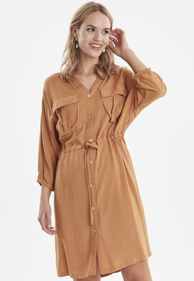 BYHELENE SHIRT DRESS - LIGHT WOVEN - Paitamekko - safari brown