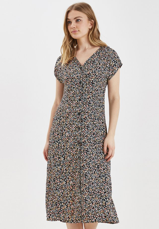 BYISOLE LONG SS DRESS - LIGHT WOVEN - Paitamekko - black combi 1