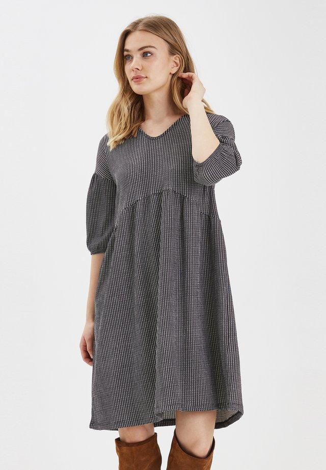 BXPIKA DRESS JERSEY - Jersey dress - black/white check