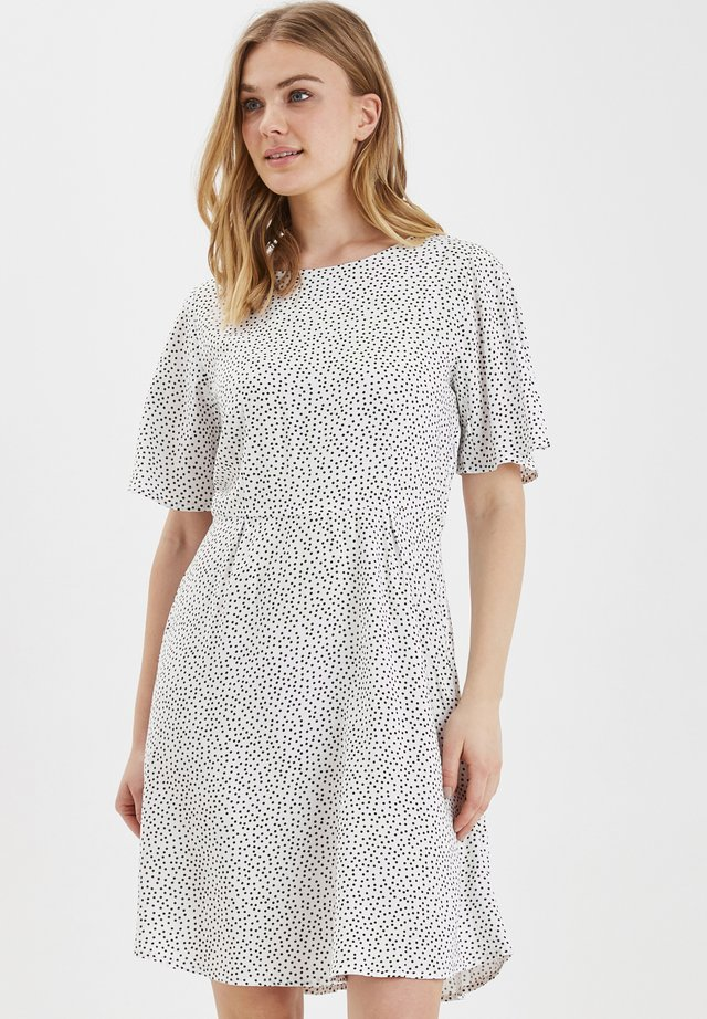 BYISOLE DRESS - LIGHT WOVEN - Vapaa-ajan mekko - off white