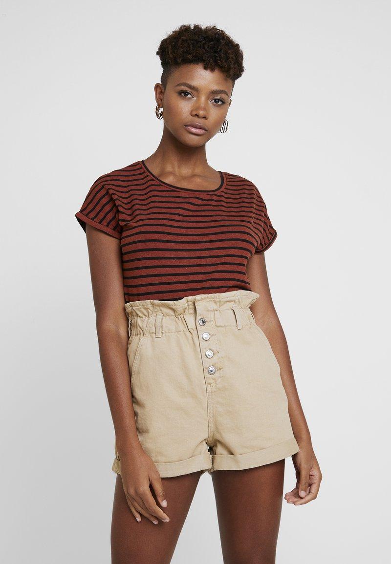 b.young - PAMILA - T-Shirt print - dark copper