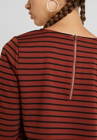b.young - RIZETTA - T-shirt print - dark copper combi - 4