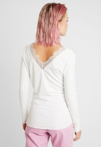 b.young - BYTOELLA VNECK - Long sleeved top - off white - 2
