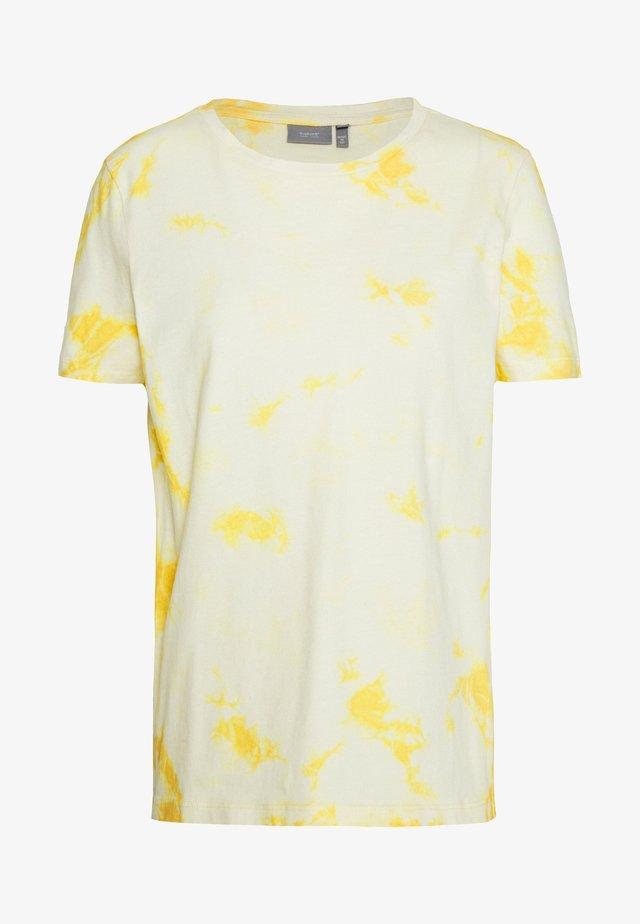 BYSAIRA - Print T-shirt - cornsilk