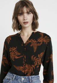 b.young - BYGITTEN PLACKET BLOUSE - Bluser - black - 4