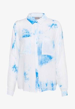 HUELLA SHIRT - Button-down blouse - light blue
