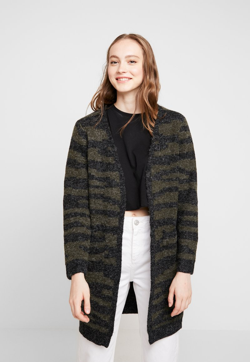 b.young - MONI CARDIGAN - Strickjacke - olive night combi