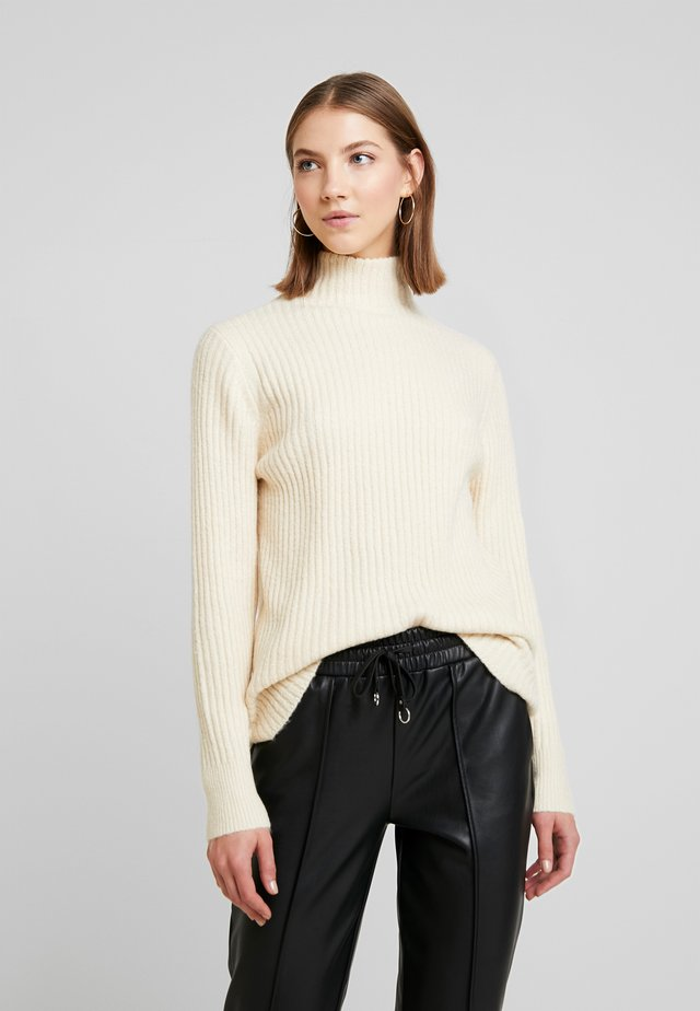 BYNORA JUMPER - Strikkegenser - birch