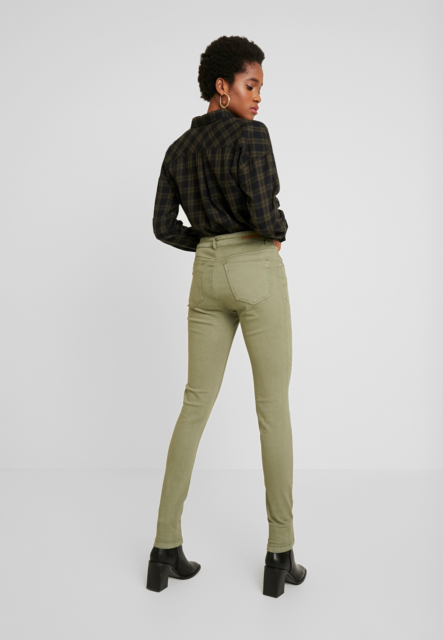 b.young LOLA LUNI  - Jeansy Skinny Fit - sea green