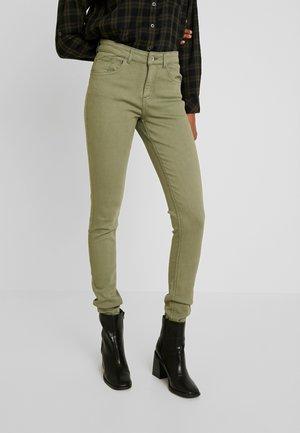 LOLA LUNI  - Jeans Skinny Fit - sea green