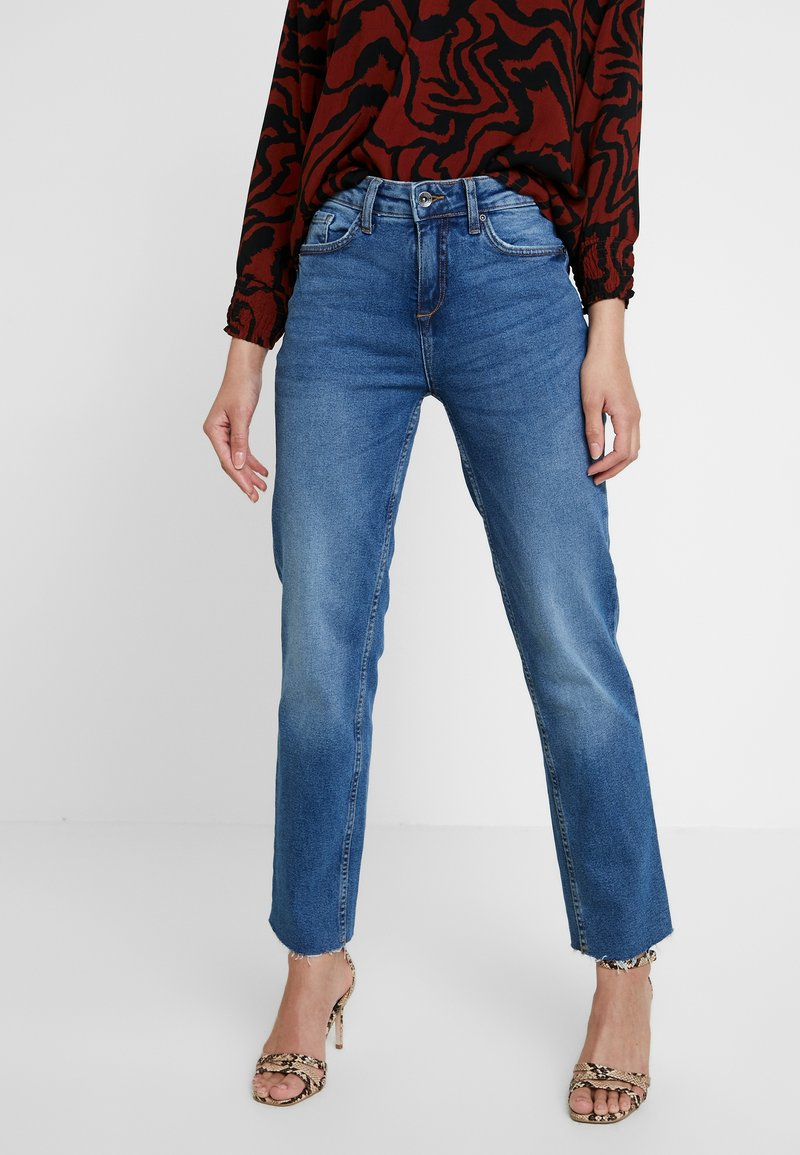 b.young - BYKATO BYLOCCA - Vaqueros boyfriend - medium blue denim