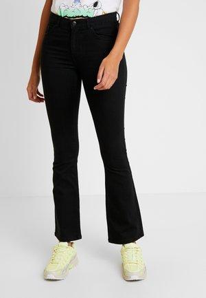 BYLOLA BYLIKA - Jeans a zampa - black
