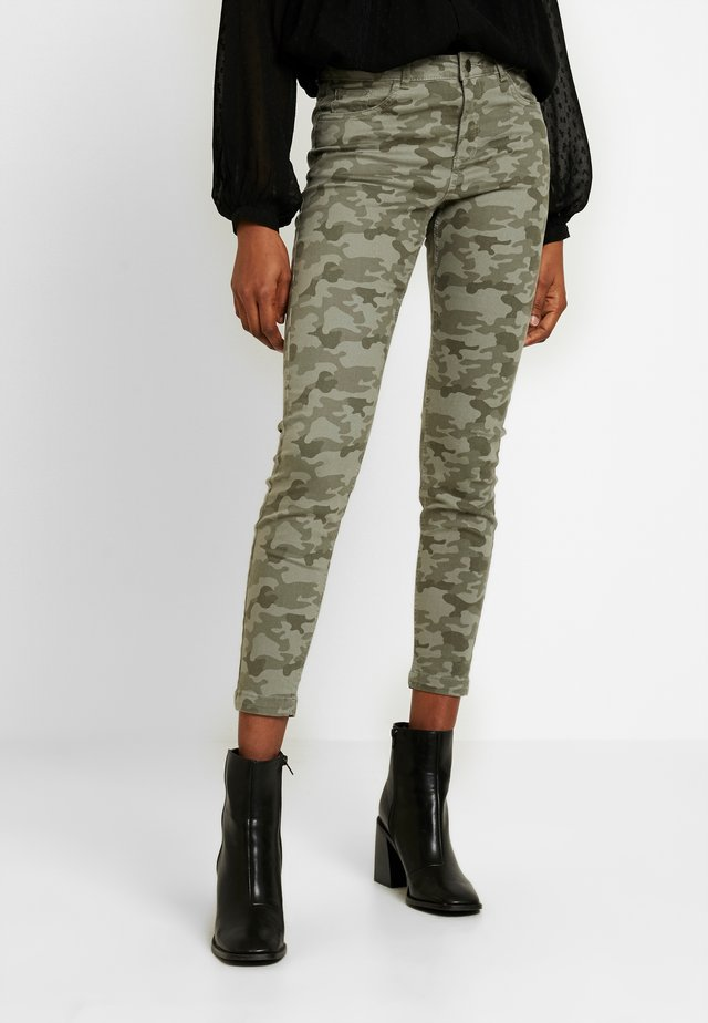 BYKATO BYLUKKA CAMO  - Jeans Skinny Fit - combi