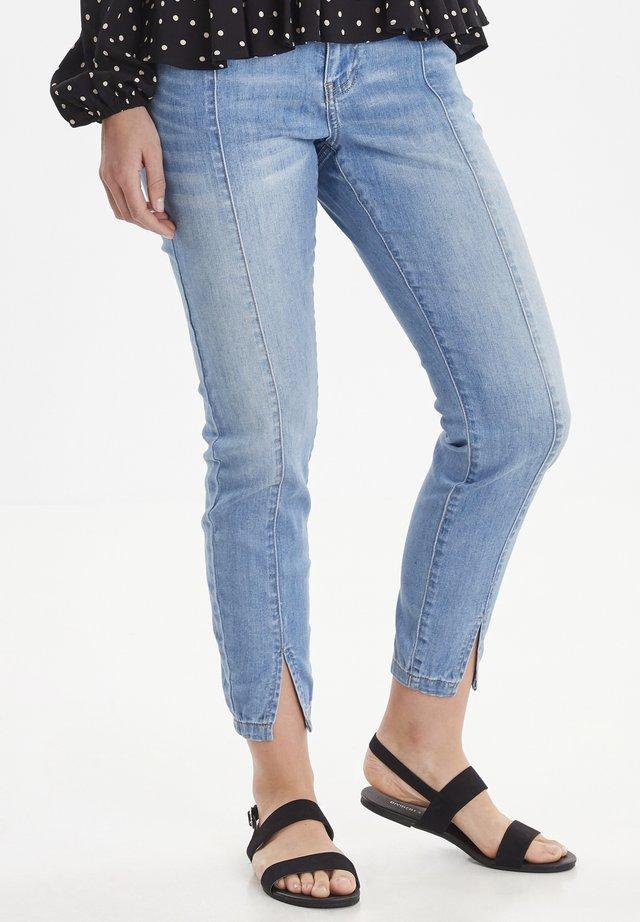 BYLOLA BYKARLA - Slim fit jeans - light blue denim